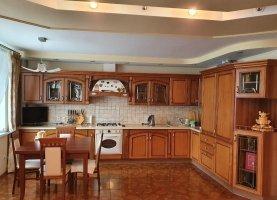 - фото. Купить двухкомнатную квартиру без посредников, Тюменская область, улица 8 Марта, 45 - фото.